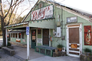Riley's tavern front
